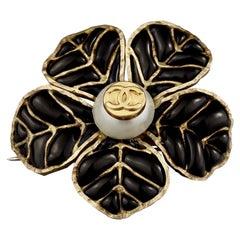 Vintage 1995 CHANEL Logo Camellia Flower Pearl Gripoix Brooch
