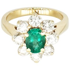 Vintage 2 Carat Emerald and Diamonds Flower Cluster Ring 14 Karat