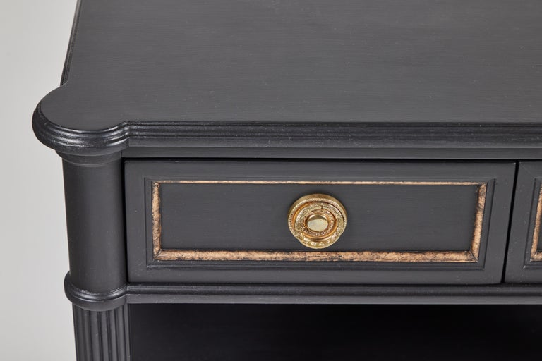 Vintage 2-Drawer Side Table Newly Painted in Black w/ Distressed Gold Details In Excellent Condition For Sale In Pasadena, CA