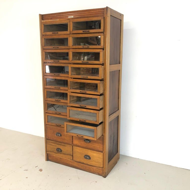 Vintage 20-Drawer Haberdashery Cabinet Shop Display In Good Condition In Lewes, East Sussex