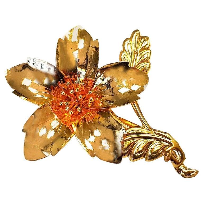 Vintage 20 Karat Yellow Gold Flower Pin Brooch 5.3gr For Sale