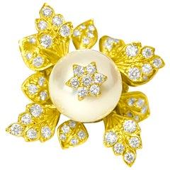 Vintage 20.00 Carat Pearl and Diamond Ring in 18 Karat Yellow Gold