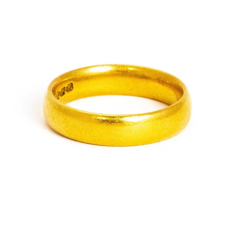 Modern Vintage 22 Carat Gold Wedding Band For Sale