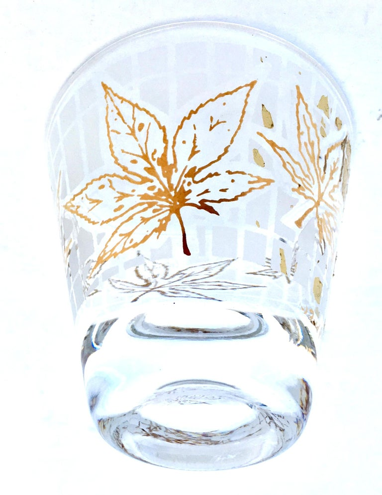 Vintage 22-Karat Frosted Leaf Motif Glass Drinks Set of Six Pieces For Sale 2
