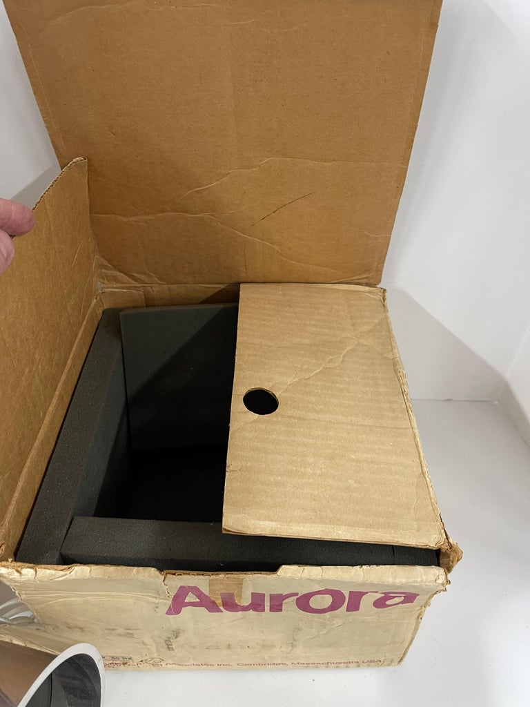 Vintage 220v 1970s Aurora Clock with Box For Sale 6