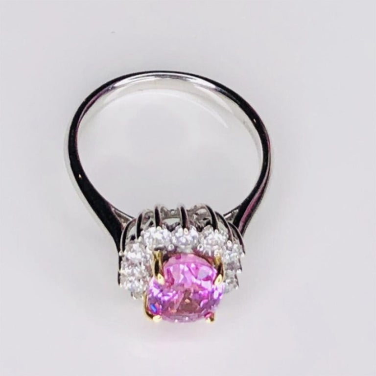 Vintage 2.32ct Pink Sapphire and Diamond Gold Cocktail Ring Estate Fine Jewelry In Excellent Condition For Sale In Montreal, QC