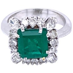 Vintage 2.70 Carat Colombian Emerald Diamond Gold Ring