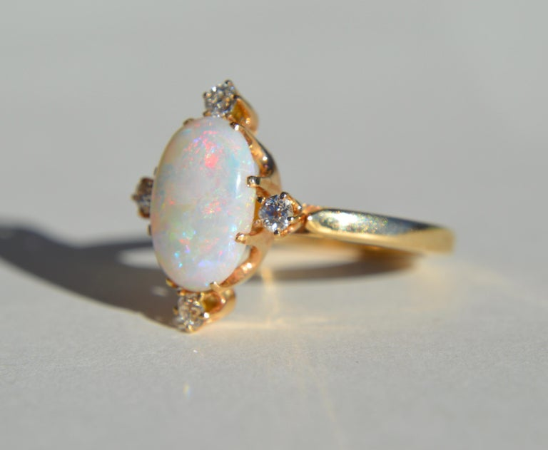 Contemporary Vintage 3 Carat Opal Diamond 14 Karat Gold Directional Cocktail Ring For Sale
