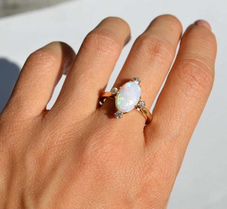 Women's Vintage 3 Carat Opal Diamond 14 Karat Gold Directional Cocktail Ring For Sale