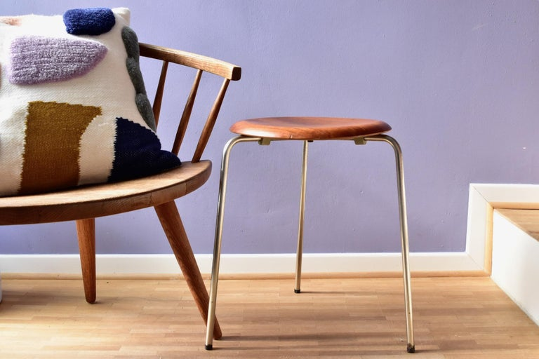 Danish Vintage 3 Dot Stool in Teak and Metal Design Arne Jacobsen for Fritz Hansen For Sale