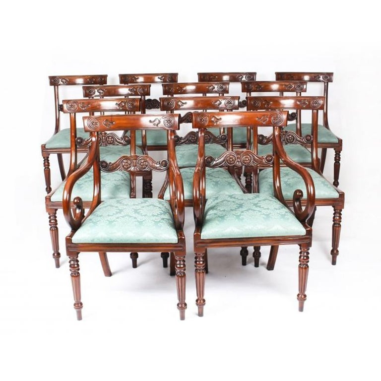 Vintage 3 Pillar Dining Table by William Tillman & 12 dining chairs 20th C For Sale 6
