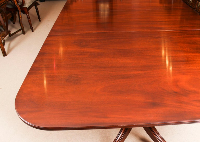 3 Pillar Dining Table by William Tillman 20th Century & 10 Chairs 19th Century 1
