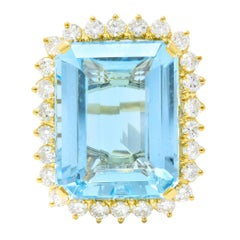 Vintage 30.50 Carat Aquamarine Diamond 18 Karat Gold Cluster Cocktail Ring