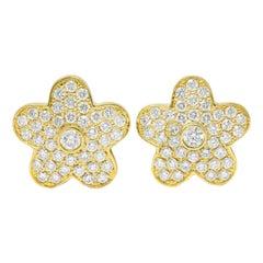 Vintage 3.32 Carats Pave Diamond 18 Karat Gold Flower Stud Earrings