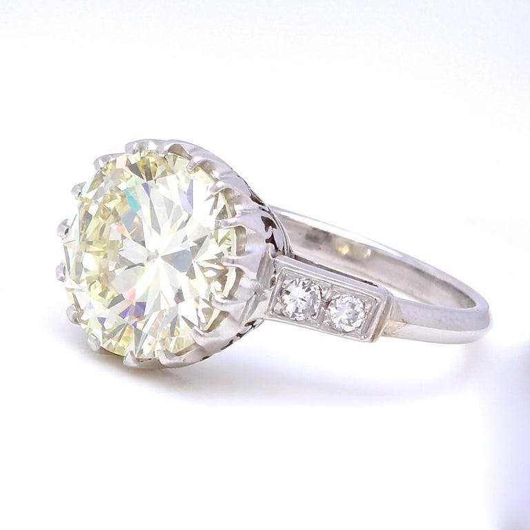 Vintage 3.67 Carat Round Cut Diamond Platinum Engagement Ring In Excellent Condition In Beverly Hills, CA