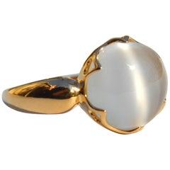 Vintage 3.87 Carat Moonstone Cabochon 18 Karat Gold Ring