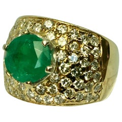 Vintage 4.10 Carat Natural Round Cut Colombian Emerald Diamond Ring