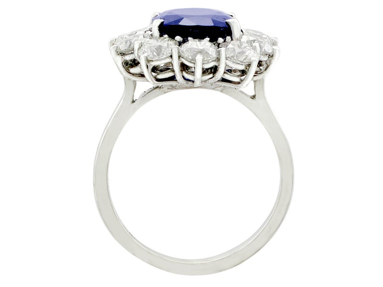 Vintage 4.29Ct Sapphire and 1.80Ct Diamond White Gold Cluster Ring  In Excellent Condition For Sale In Jesmond, Newcastle Upon Tyne