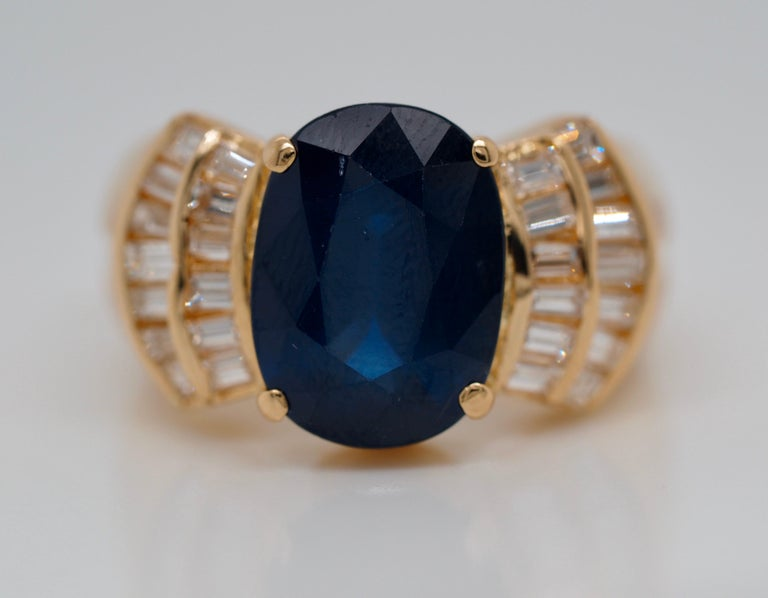 Vintage 5.13 Carat Oval Sapphire Diamond Ring Yellow Gold Ring For Sale 4