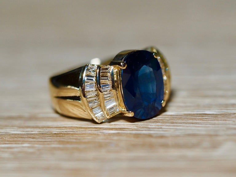 Vintage 5.13 Carat Oval Sapphire Diamond Ring Yellow Gold Ring In Good Condition For Sale In Addison, TX