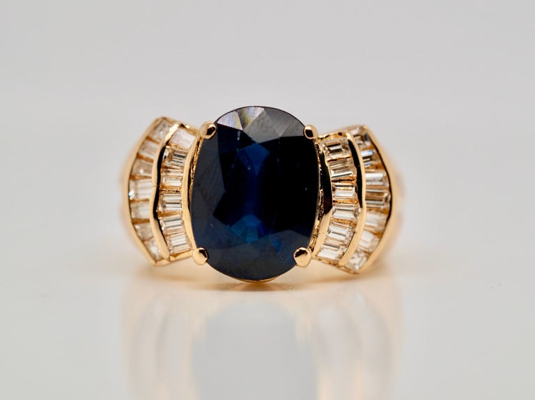 Vintage 5.13 Carat Oval Sapphire Diamond Ring Yellow Gold Ring For Sale 2