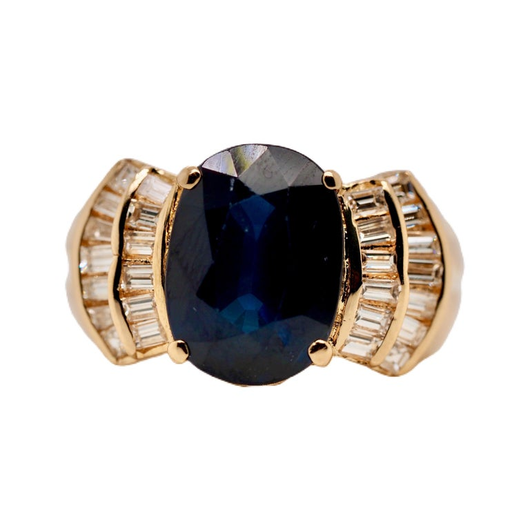 Vintage 5.13 Carat Oval Sapphire Diamond Ring Yellow Gold Ring For Sale