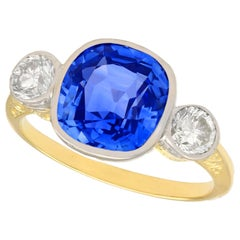 5.50 Carat Ceylon Sapphire and Diamond Yellow Gold Cocktail Ring
