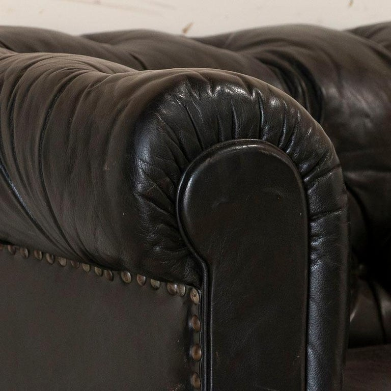 Vintage Black Leather Chesterfield Sofa In Good Condition In Round Top, TX