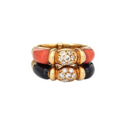Vintage 70s Set of 2 Rings Diamond Coral Onyx 18k Yellow Gold Fine Jewelry