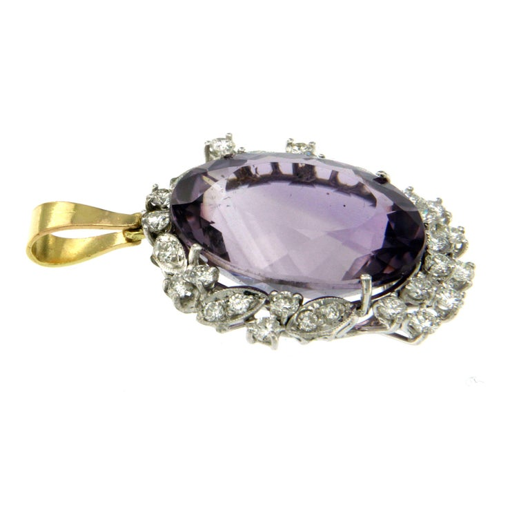 Vintage 9 Carat Amethyst Diamond Gold Pendant Necklace In Excellent Condition In Napoli, Italy