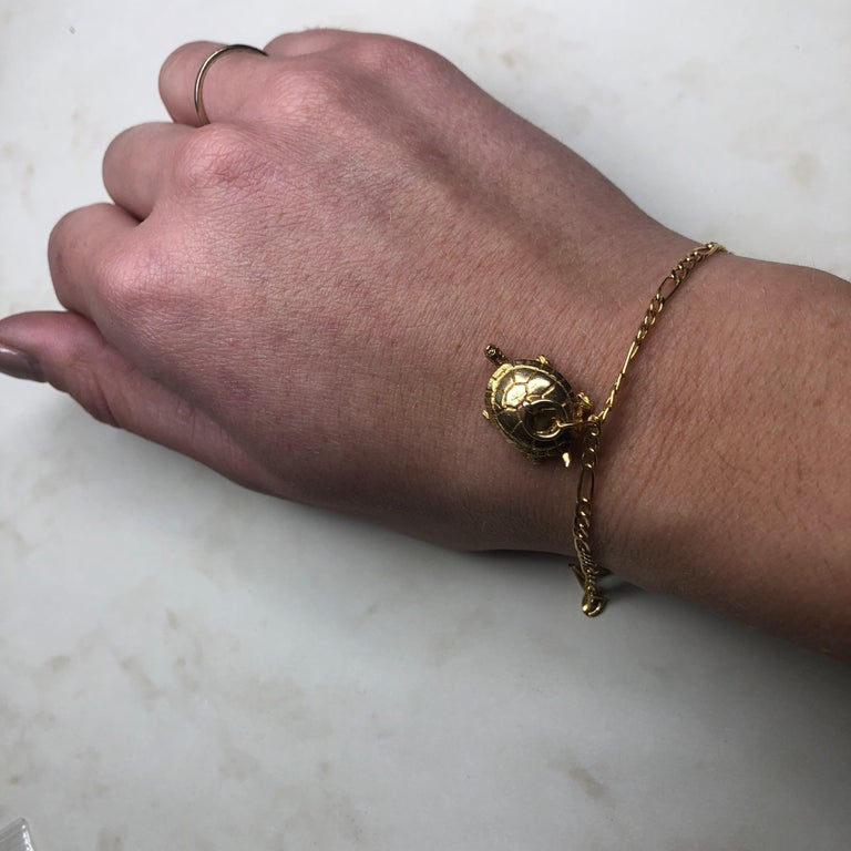 Women's Vintage 9 Carat Gold Bracelet With Turtle Charm For Sale