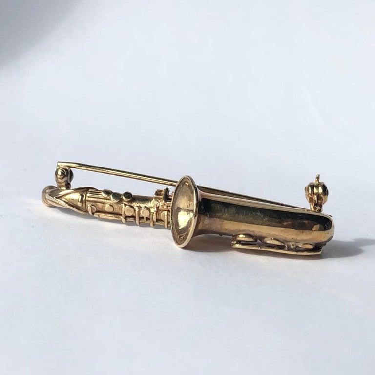 Modern Vintage 9 Carat Gold Saxophone Brooch For Sale