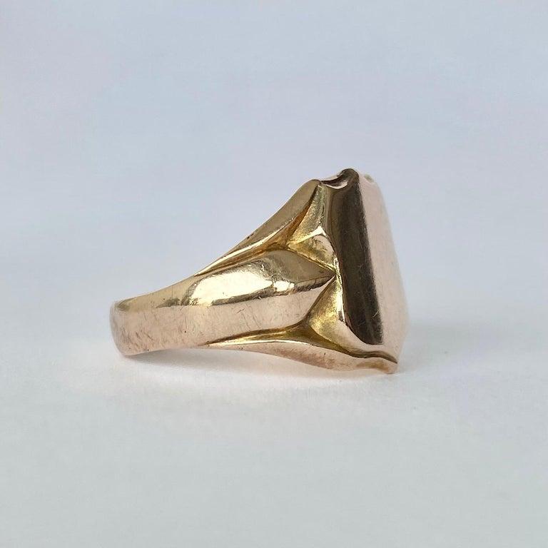 Edwardian Vintage 9 Carat Gold Signet Ring For Sale