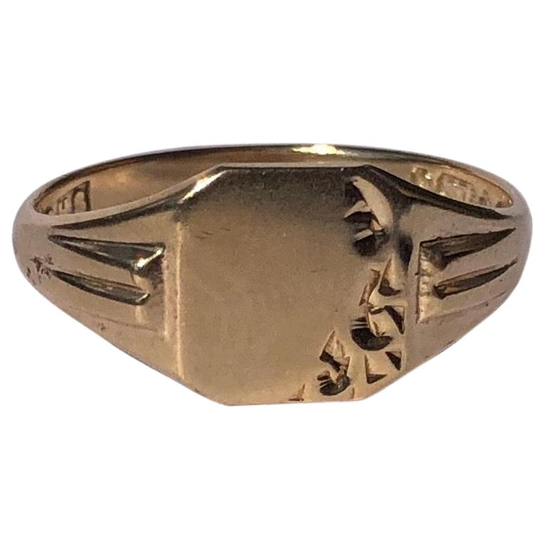 Vintage 9 Carat Gold Signet Ring For Sale