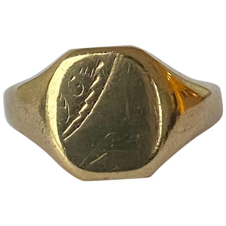 Vintage 9 Carat Gold Signet Ring For Sale