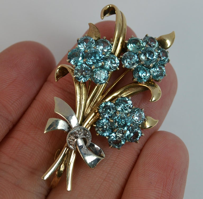 Vintage 9 Carat Rose Gold and Platinum Natural Zircon Floral Spray Brooch In Good Condition For Sale In St Helens, GB