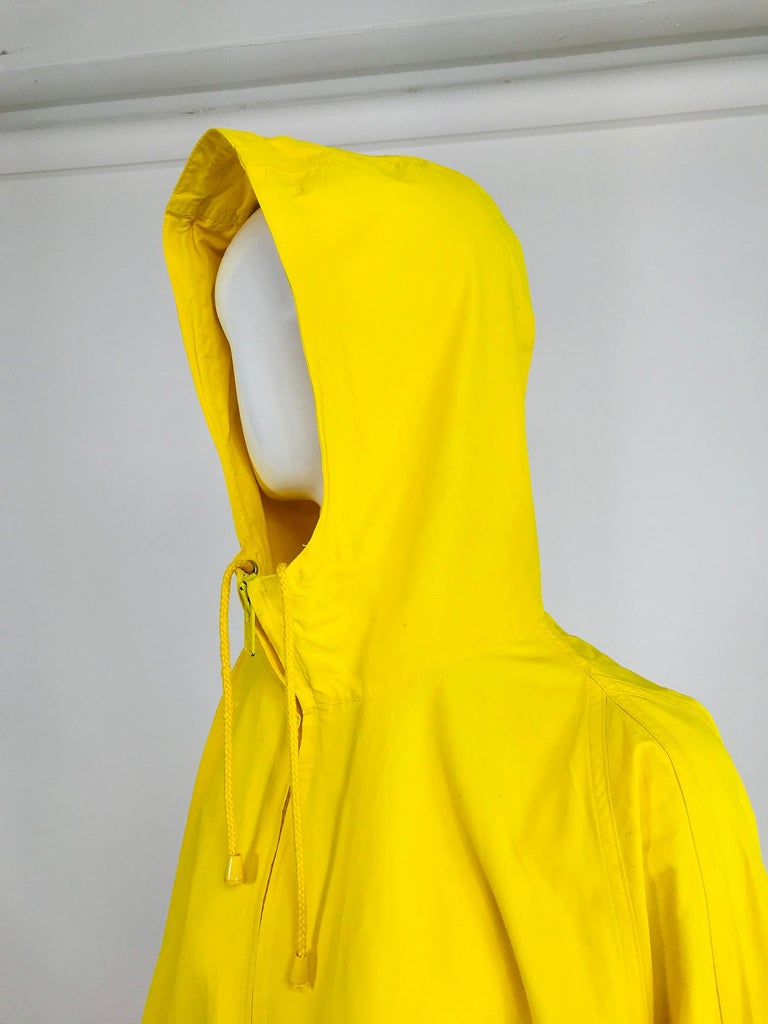 Vintage A Line Anne Klein Bright Yellow A Line Zip Front Jacket with Hood  For Sale 8