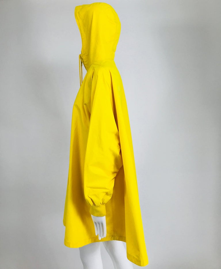 Vintage A Line Anne Klein Bright Yellow A Line Zip Front Jacket with Hood  For Sale 9