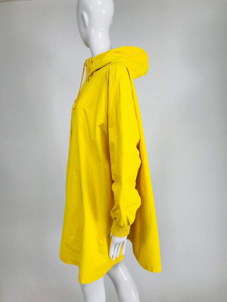 Vintage A Line Anne Klein Bright Yellow A Line Zip Front Jacket with Hood  In Good Condition For Sale In West Palm Beach, FL