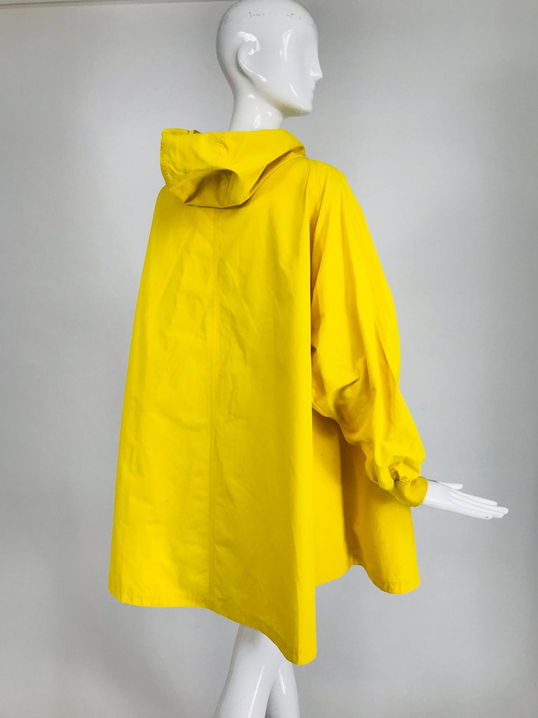 Vintage A Line Anne Klein Bright Yellow A Line Zip Front Jacket with Hood  For Sale 2