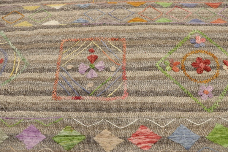 Vintage Afghan Uzbek Suzani Embroidered Kilim Rug with Bohemian Style In Good Condition For Sale In Dallas, TX