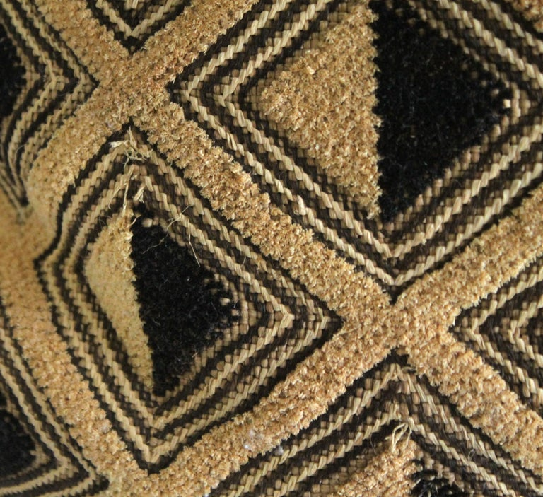Vintage African Kuba Cloth pillow Black and Tan Pattern In Good Condition For Sale In Brea, CA
