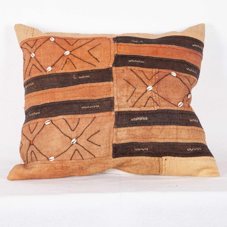 Vintage African Kuba Cloth Pillow Cases, Mid-20th Century For Sale 6