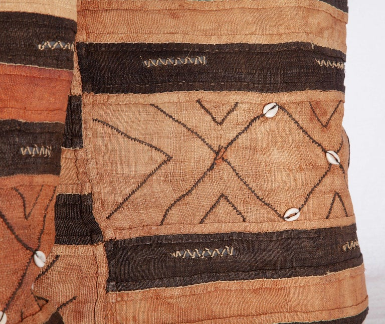 Vintage African Kuba Cloth Pillow Cases, Mid-20th Century In Good Condition For Sale In Istanbul, TR
