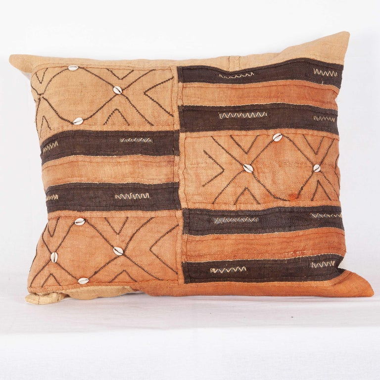 Vintage African Kuba Cloth Pillow Cases, Mid-20th Century For Sale 2