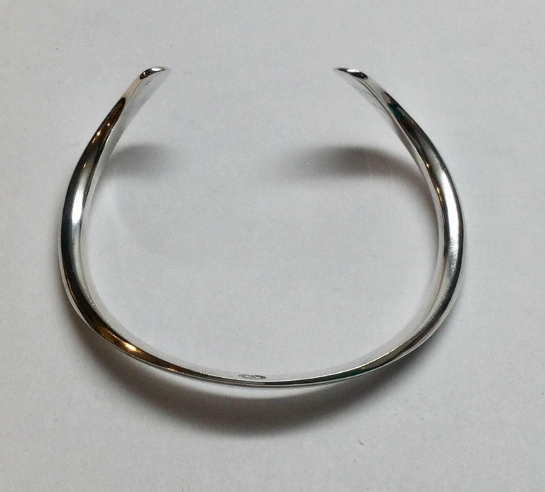 Vintage Age Fausing Denmark Sterling Silver Curved Cuff Bracelet In Good Condition For Sale In New Milford, CT