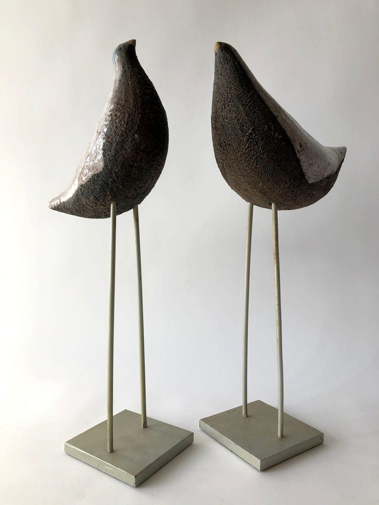 Vintage pair of Aldo Londi for Bitossi bird sculptures, Italy, 1960s. Largest measurements are 14.5