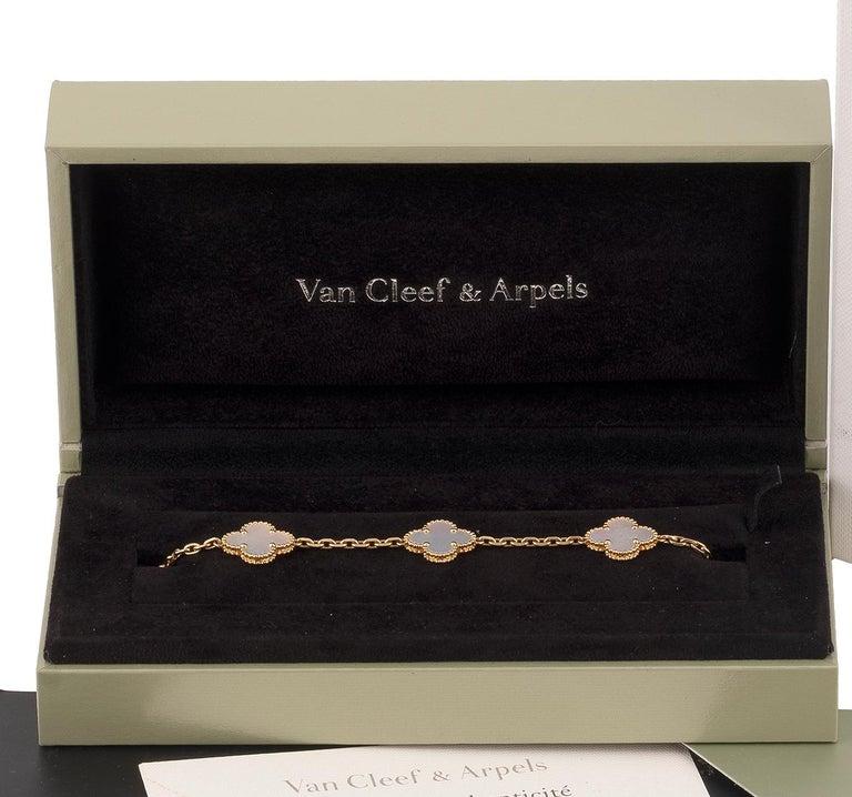 Vintage Alhambra Bracelet by Van Cleef & Arpels In Excellent Condition For Sale In Firenze, IT