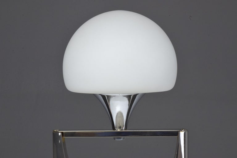 20th Century Sculptural Aluminum Table Lamp, 1950-1960 For Sale 6