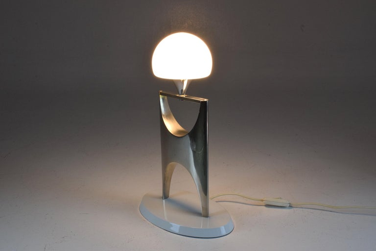 20th Century Sculptural Aluminum Table Lamp, 1950-1960 For Sale 3